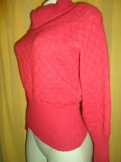 blusa em trico de lã  vermelha  com gola  boba