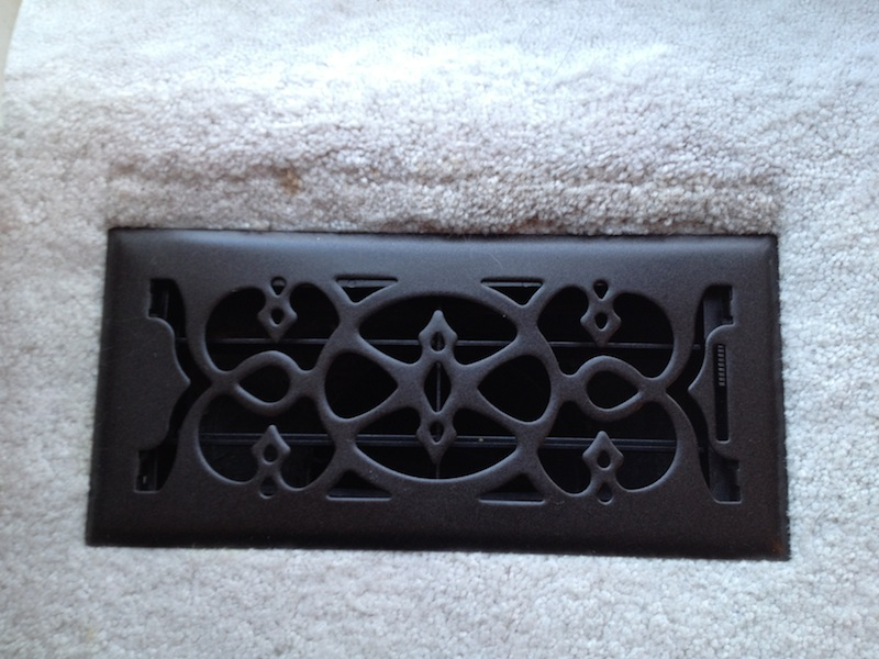 in ks update old door knobs and air vents with rustoleum spray paint. Black Bedroom Furniture Sets. Home Design Ideas