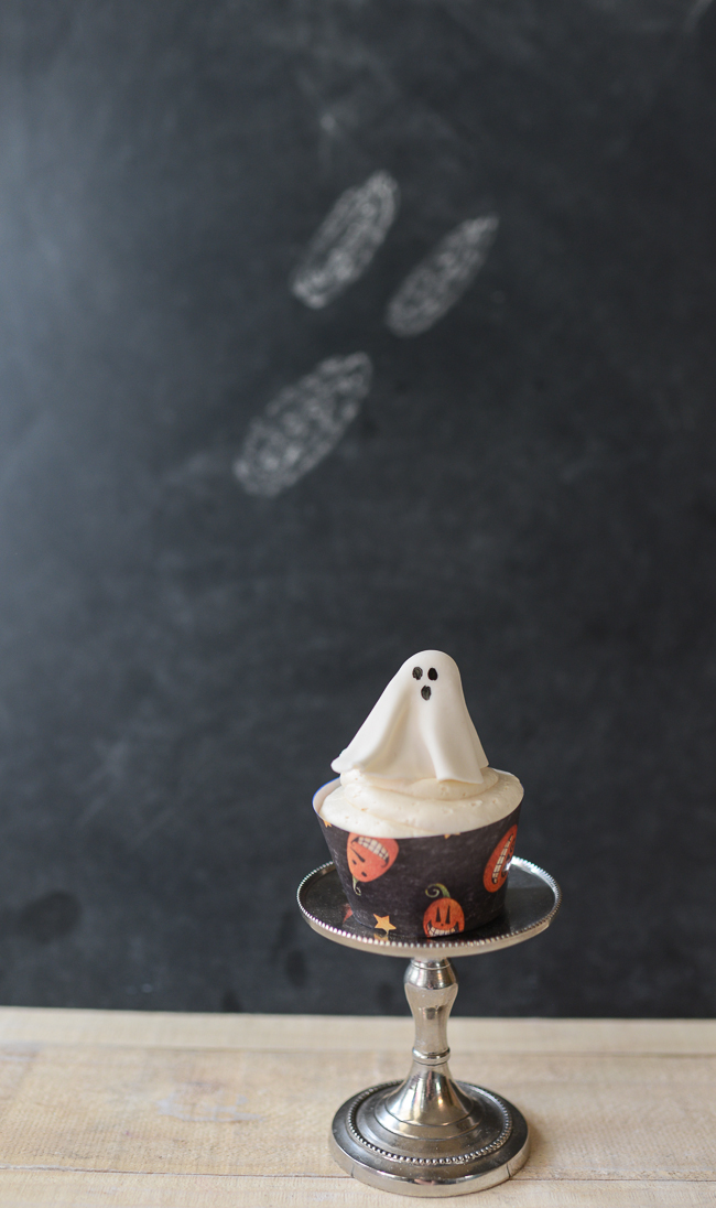 Halloween Craft Project Easy Gum Paste Ghost Cupcake Toppers