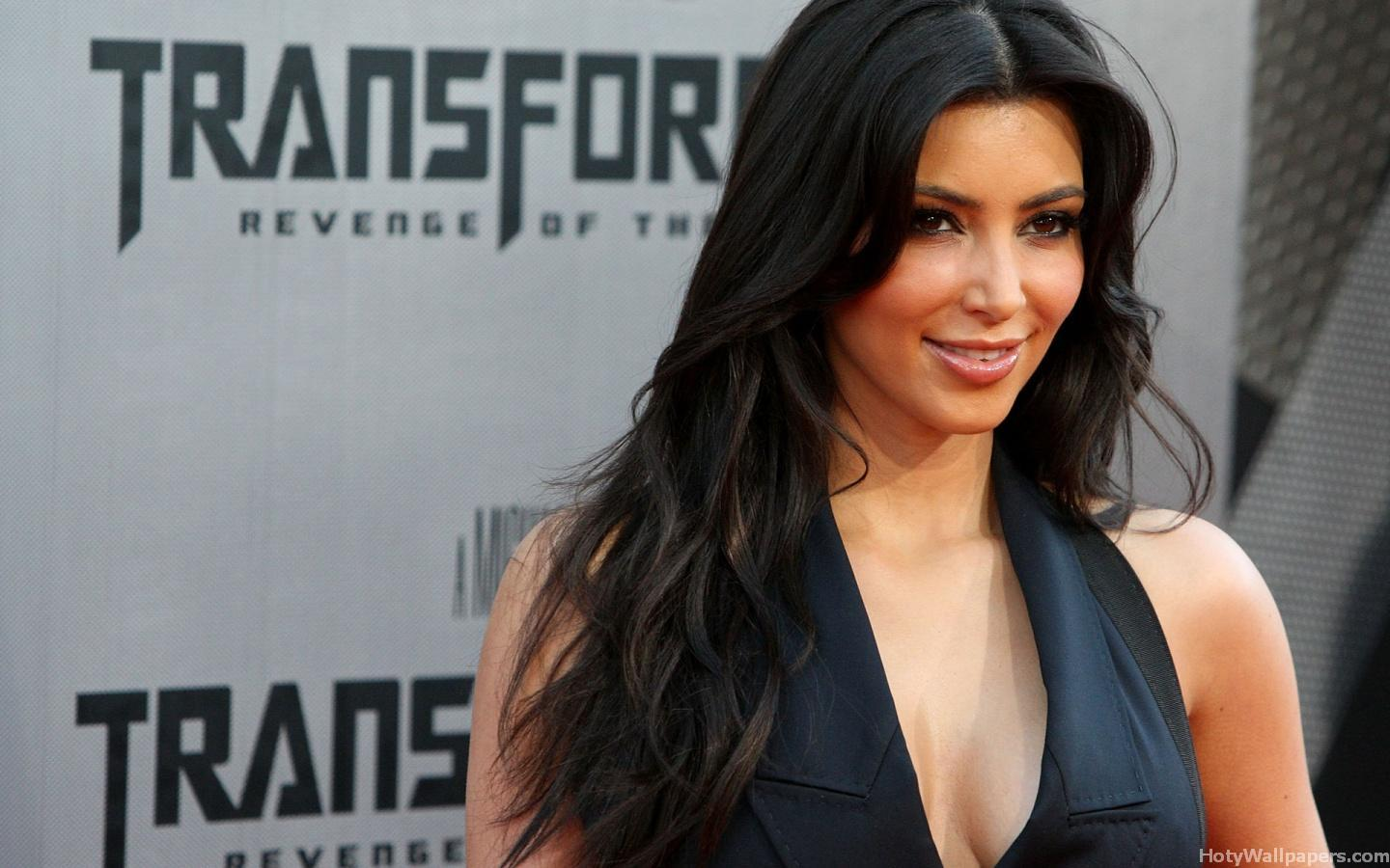 http://4.bp.blogspot.com/-y7v_edu0RhE/TXXNR3jRPxI/AAAAAAAAA6Y/W1ySN56j2yA/s1600/kim_kardashian_hot_Actress_wallpapers_37.jpg
