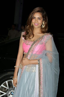 Esha Gupta Dazzels in Transparent Chunni Pink Choli Spicy Pics Must see Beauty