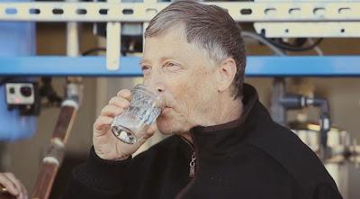 Ο Μπιλ Γκέιτς επενδύει σε μηχανή που μετατρέπει τις ακαθαρσίες σε νερό και ηλεκτρικό ρεύμα