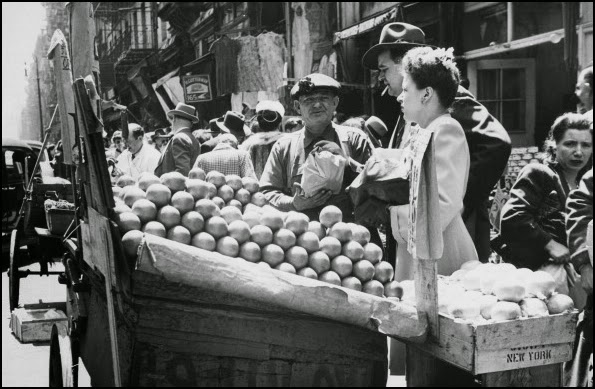 1918 NYC street traders