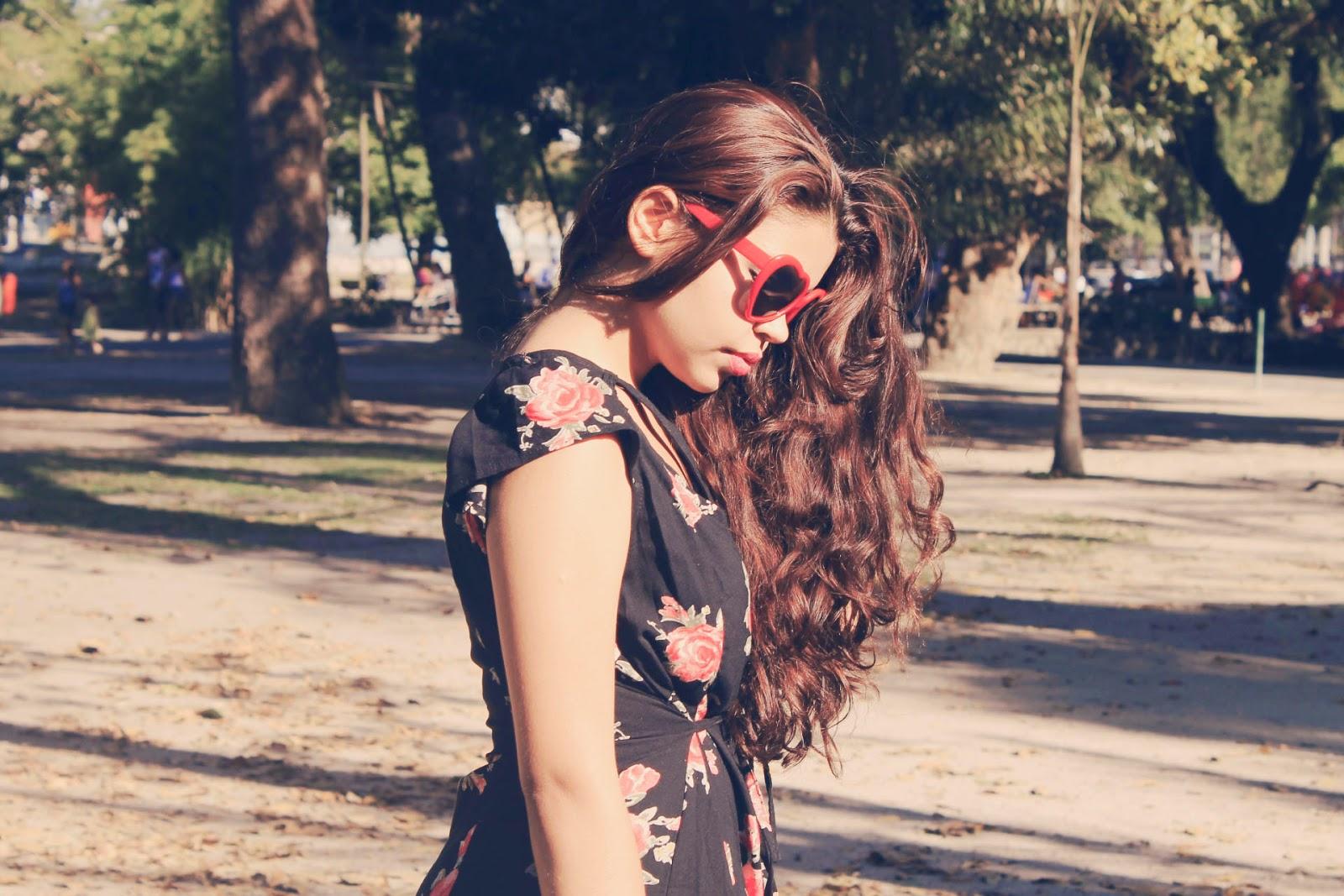 Look para piquenique, look macaquinho floral, bolsa de gato, óculos de coração, romwe, rosewe