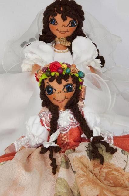http://www.ostaszewska.com/dwustronna-lalka-panna-mloda-malgorzata-indyk/