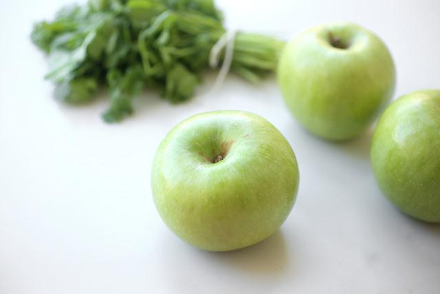 מרק מלפפונים ותפוחים