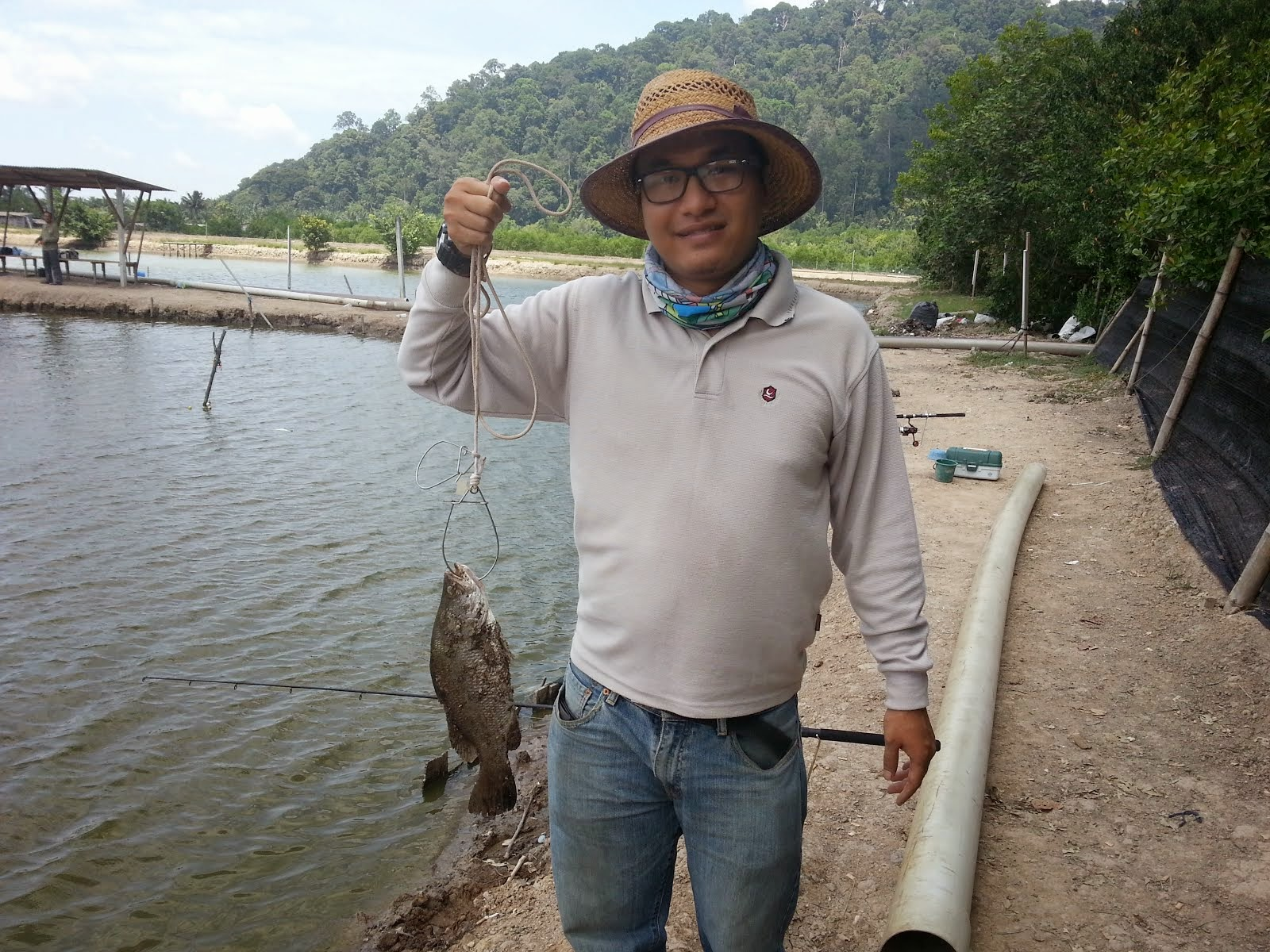 P2U Angler 05