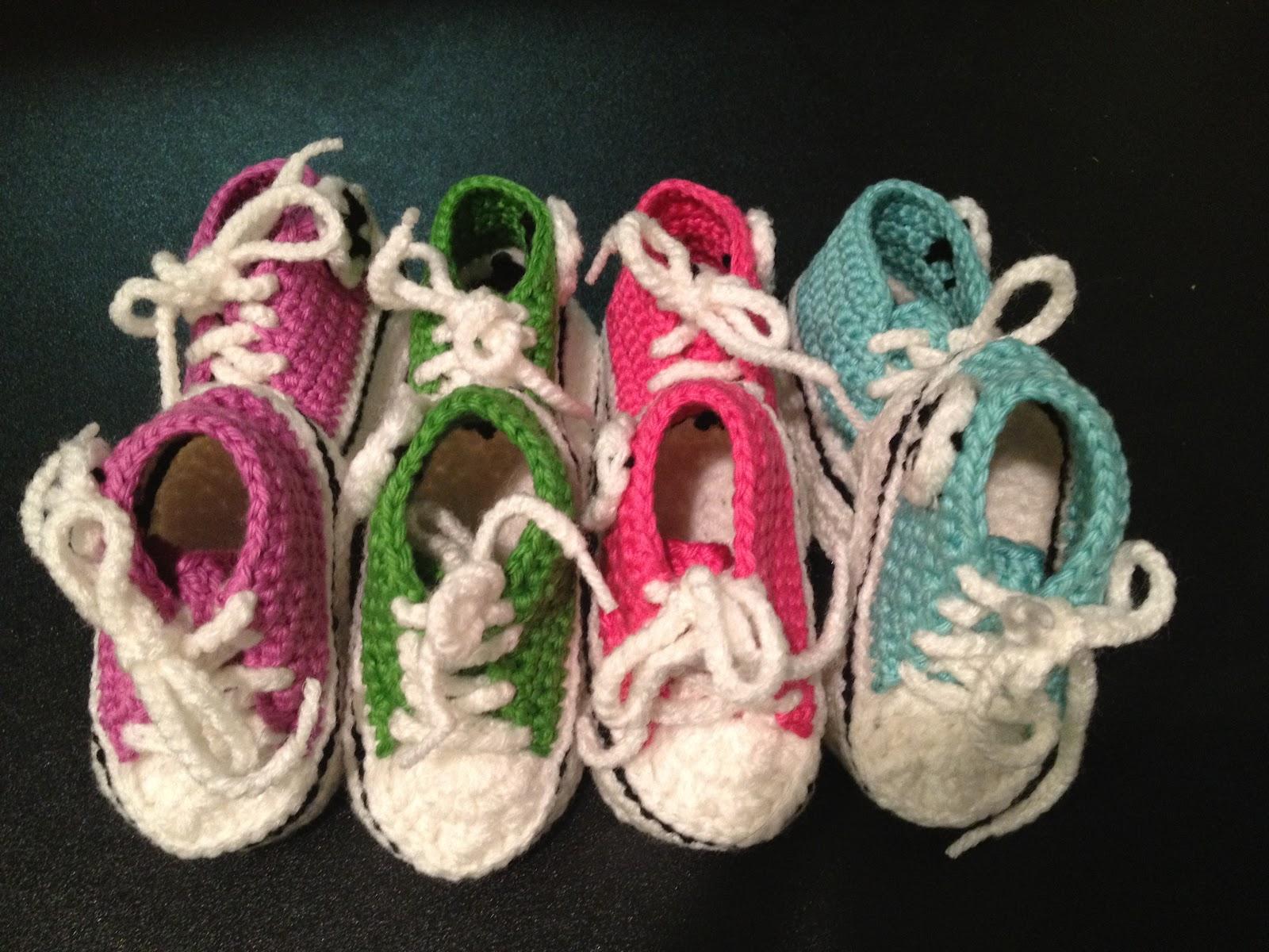 Grannys Creative Creations: Crochet Baby Converse!