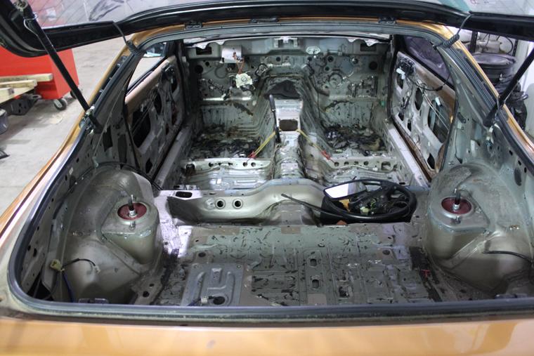 Rear Struts on Wiring Harness Mazda Fc