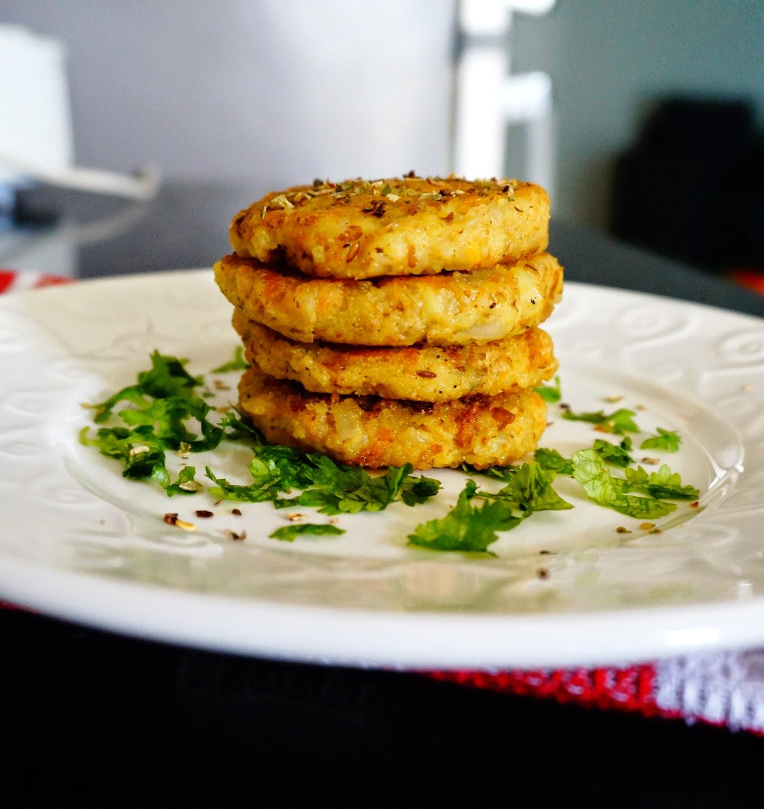 Leftoverrecipes,Bengalgramcutlets,ricecutlets,leftoverbengalgramcutlets,tikki,cutlets,pancake,leftover,vegetarian,Indiancuisine