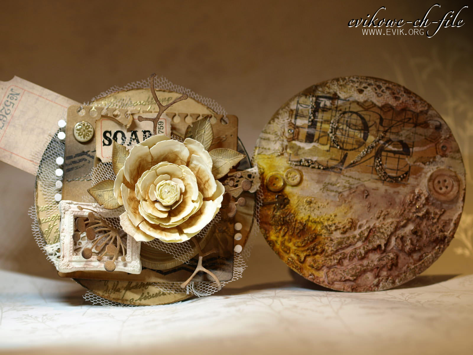 Die-namics Mini Album Torn Notebook STAX, Memory Box - Chloe stem, Tim Holtz ticket, , Tim Holtz Sizzix Die TATTERED FLORALS Bigz Flower, Evik, Evikowe-ch-file card, gold embossing, Glimmer mist, Adirondack Color Wahsh butterscotch