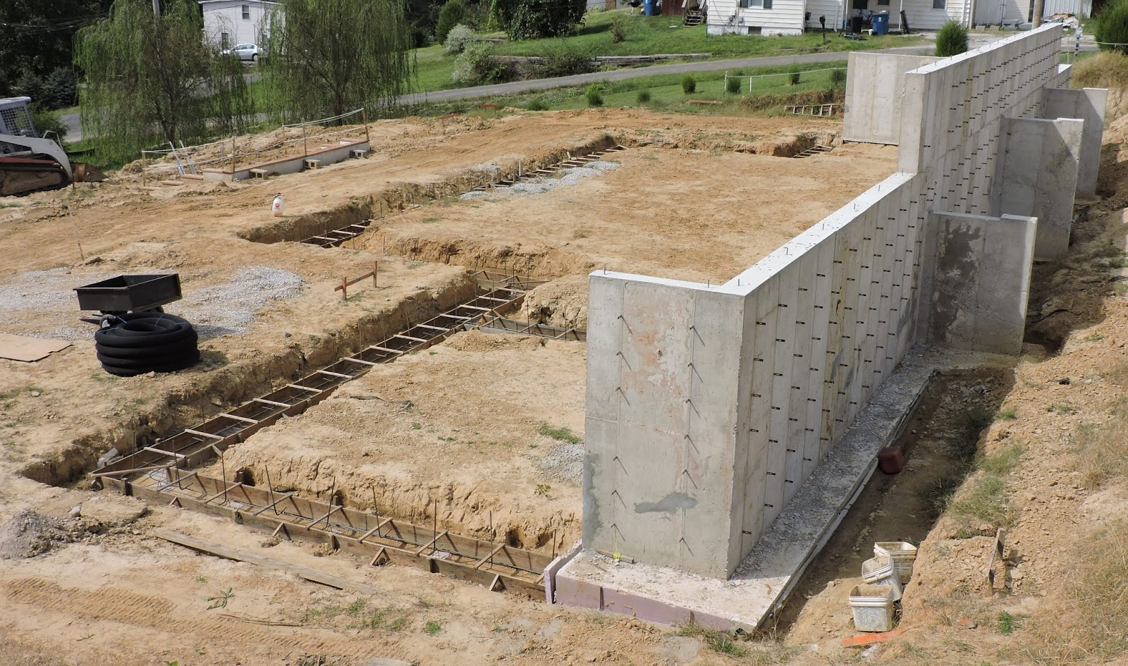 Do it yourself green building with jerry young for Poured concrete basement walls