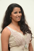 Sravya reddy hot photos-thumbnail-5