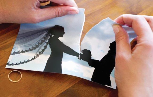 رغم إنصاف القوانين - مازالت المرأه تدفع فاتوره الطلاق