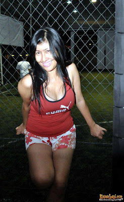 Tante Risma Hot