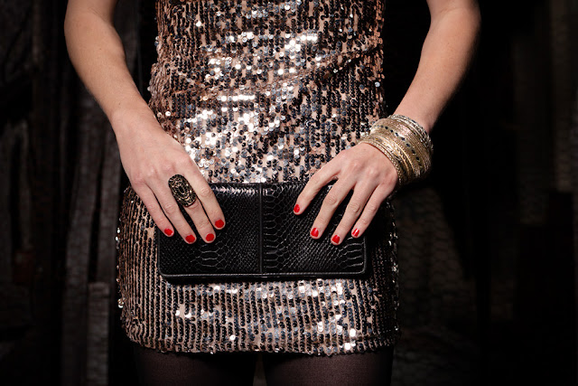 Jody+Steliga+Savvy+Spice+sequin+dress+Limited+black+snake+skin+clutch+OPI+nail+polish+red+animalistic+cocktail+rings+Savvy+Spice+blog+