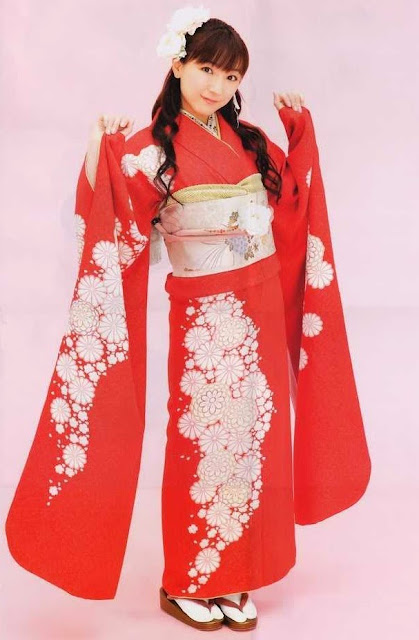 Yui Horie pakaian tradisional Jepang