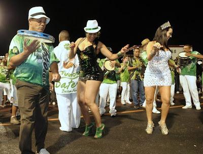 Ellen Cardoso - Musa da camisa verde e branco 2