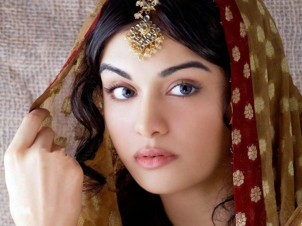 Muslim Girl Love Wallpaper : Girls Images Wallpapers: Pakistani Girls Wallpapers Muslim Girls Images