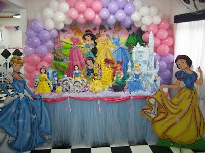 Modelo decoração para festa infantil princesas 2014