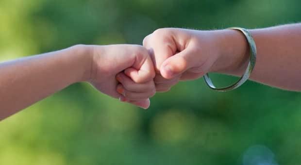 5 Hal yang Harus Dilakukan Saat Dicampakkan Sahabat