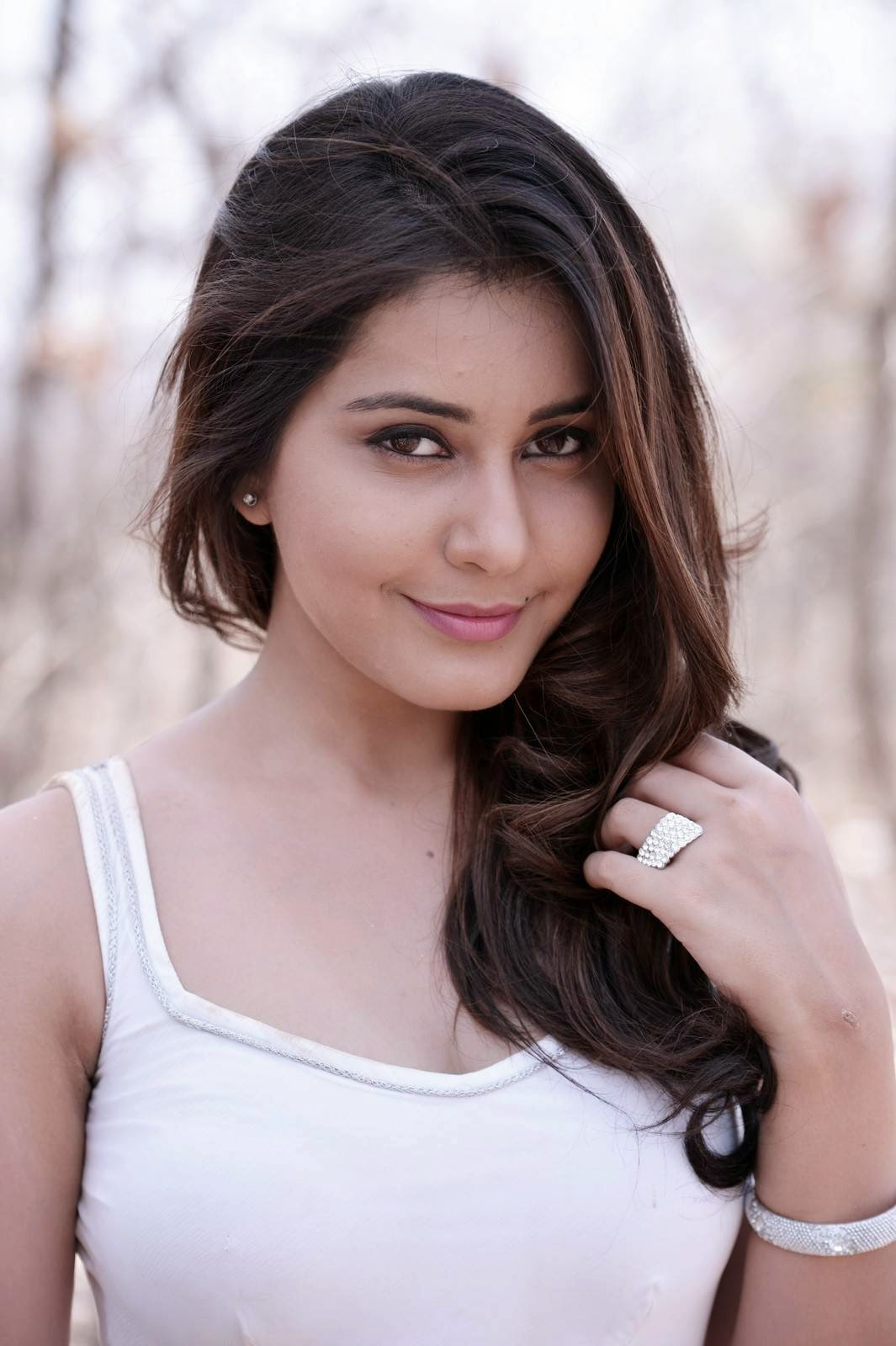 Joru Heroine Rashi Khanna Latest Glam Pics - HD Latest ...
