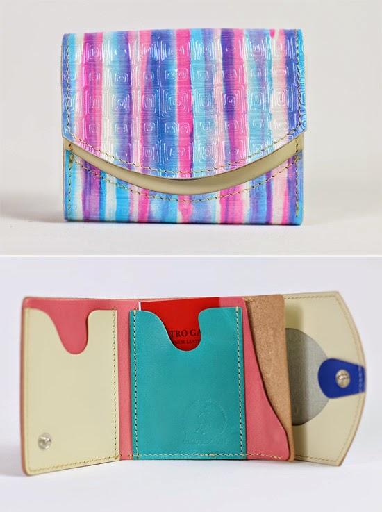 小さい財布ピンク
