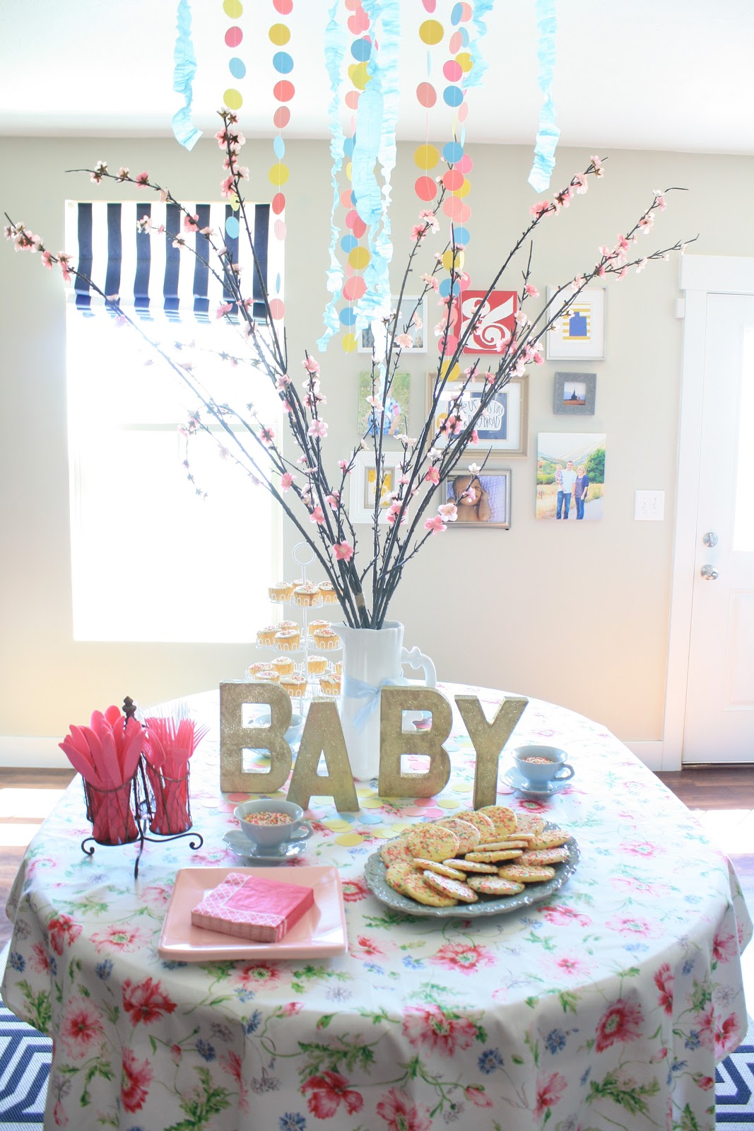 Home design ide sprinkles baby shower for Baby shower ceiling decoration ideas
