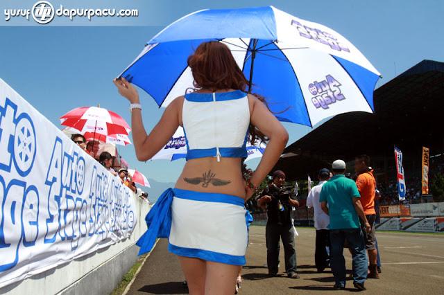 Gambar foto Gadis payung sexy motoGp2.jpg
