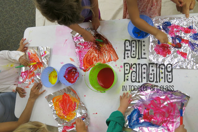 http://librarymakers.blogspot.com/2013/07/toddler-art-class-painting-on-foil.html