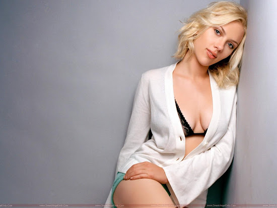 Scarlett_Johansson_wide_wallpaper