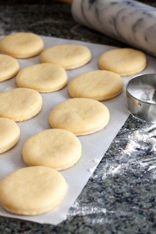 Red Shallot Kitchen: Sufganiyot - Israeli Jelly Donuts