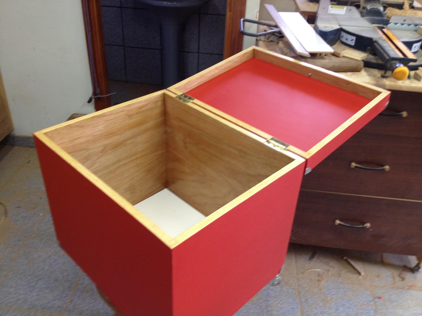 Atelier do Zero: Caixa de madeira para guardar brinquedos #A57F27 1600x1200