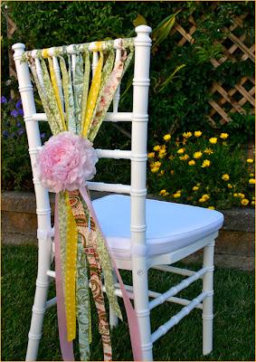 cadeira enfeitada para festa