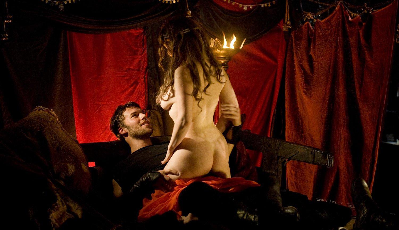 http://4.bp.blogspot.com/-yBaFKTGyokY/Tgobq2dUiNI/AAAAAAAABho/sLNH9UvG-os/s1600/sexCamelot.jpg