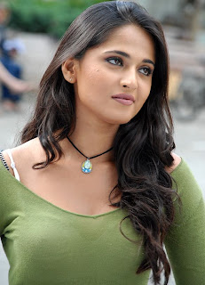 Anushka Shetty popular Indian hot and sexy Actress photos