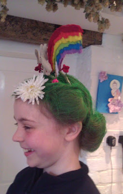 Quick And Easy Crazy Hair Day Ideas Images & Pictures - Becuo