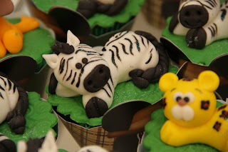 doce cupcake decorado safari zebra