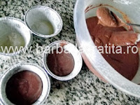Briose cu ciocolata preparare reteta