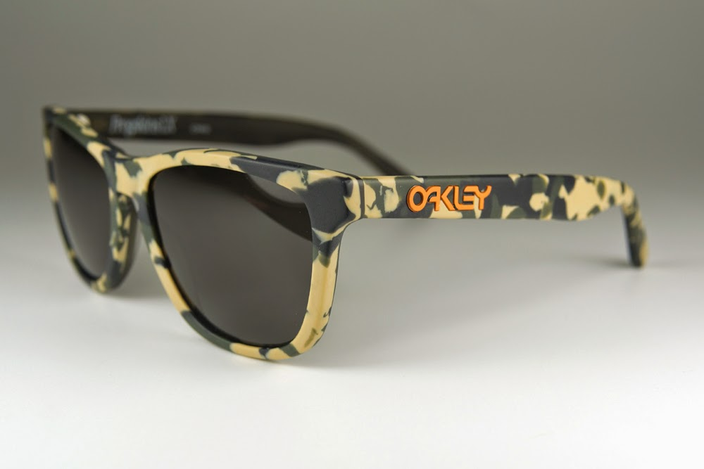 oakley radarlock camo kpkf  green camo + dark grey lens $280 now $235!! lens pre coated with Oakley  hydrophobic nano solution complete set comes with box and microfiber pouch