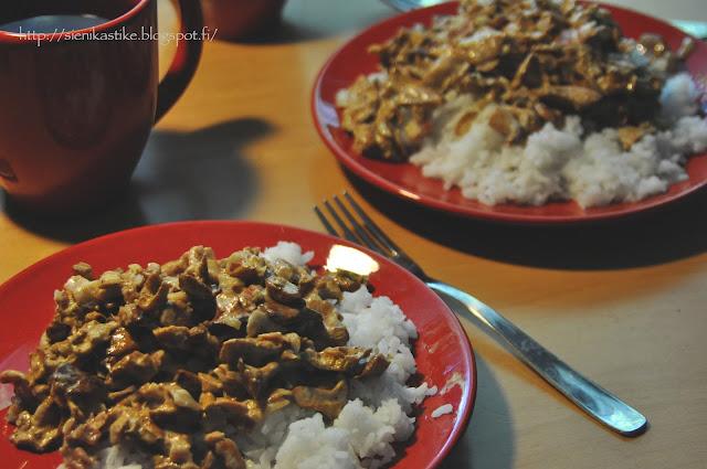 haudetut kantarellit riisin kera, Chanterelle