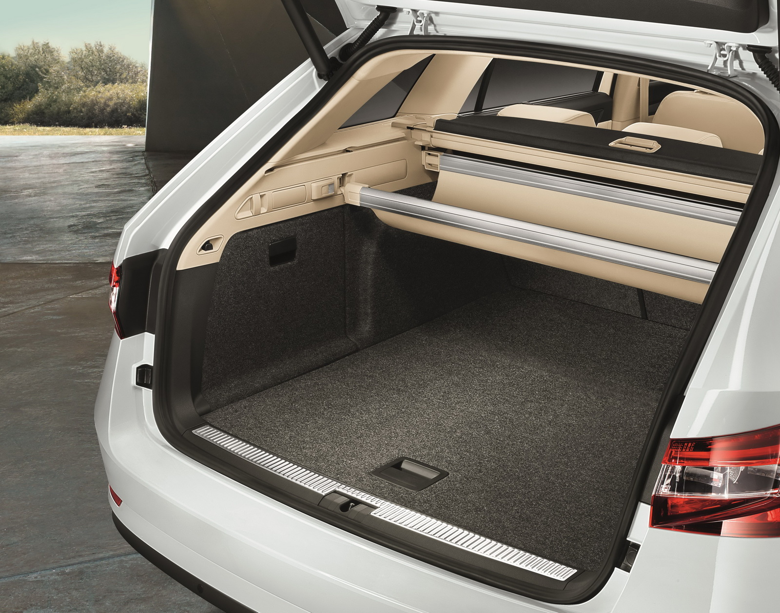 skoda details new superb combi shows its vast boot carscoops. Black Bedroom Furniture Sets. Home Design Ideas