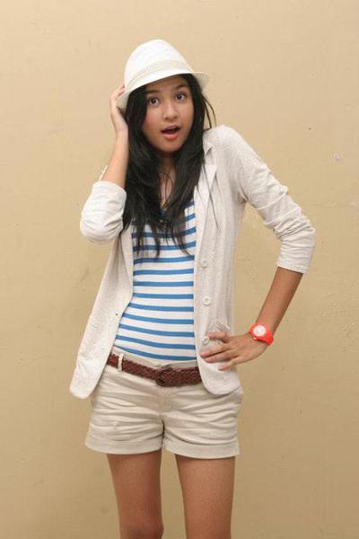 Biodata Profil Mikha Tambayong | Kumpulan Foto Mikha Tambayong Terbaru