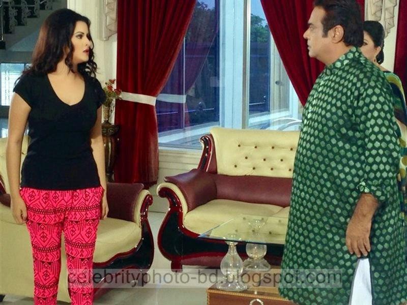 Pori+Moni+and+Shakib+Khan's+Latest+Hot+Photos+From+Bangla+Movie+Dhumketu+(2014+)008
