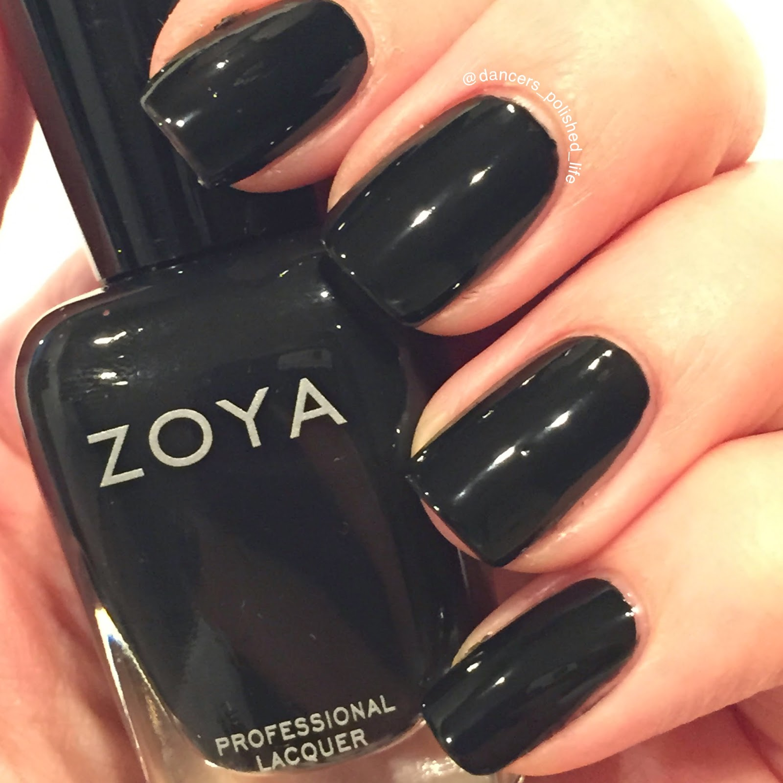 zoya-willa-swatch
