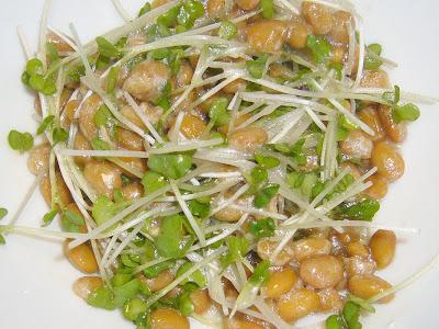 納豆にピエトロドレッシング和風しょうゆ+ブロッコリーの新芽