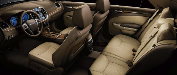 chrysler 300 luxury interior