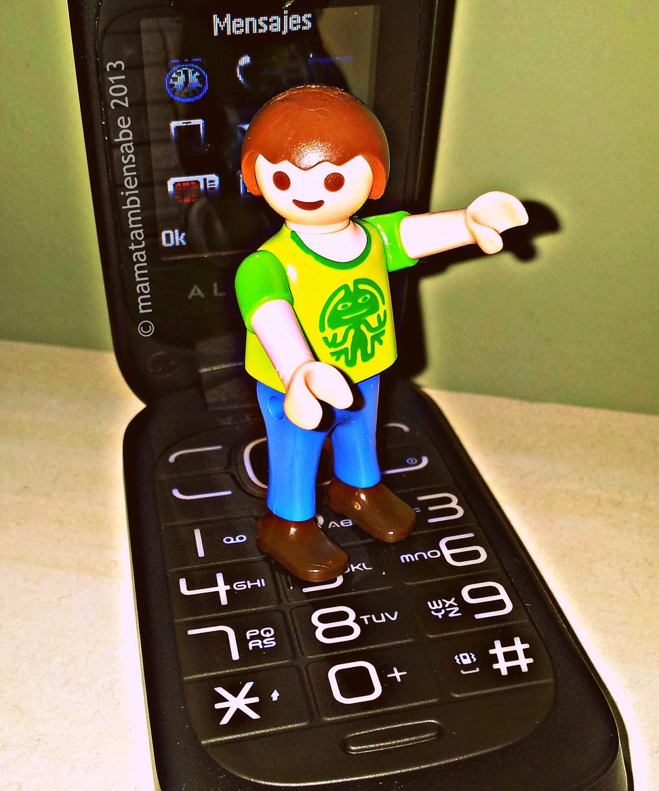 Móvil o celular para llamar o aparato digital para la familia