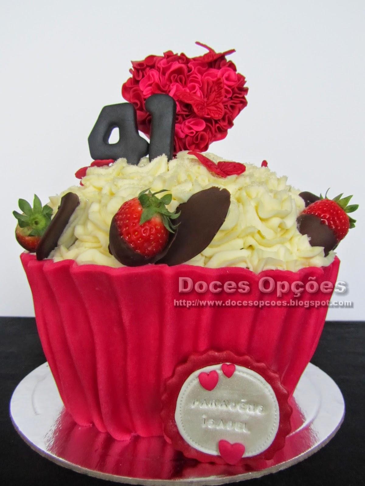 torta de cumpleaños de la magdalena