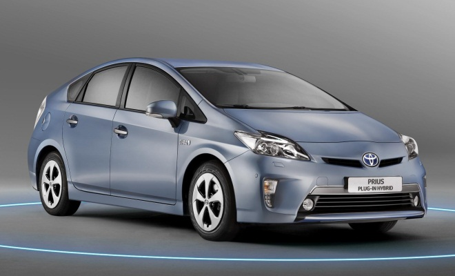 Toyota Prius Plug-in front view